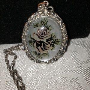 "30"" chain & 2"" rose pendant"